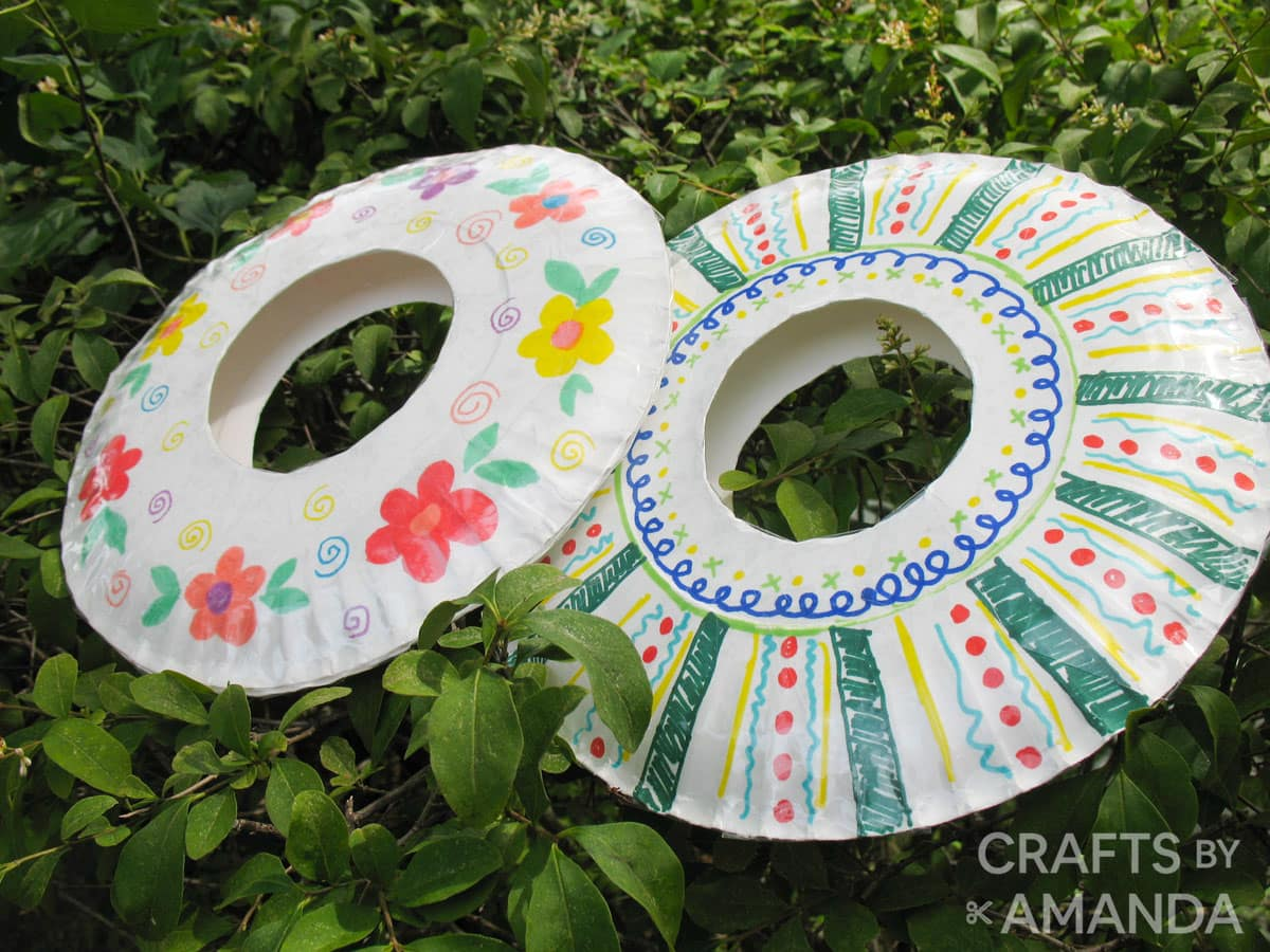 paper plate frisbees outside