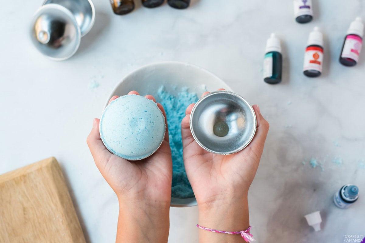 unmolding the bath bomb