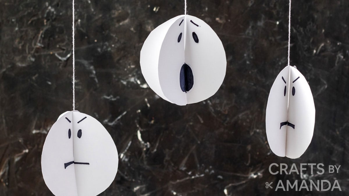 3 paper ghosts