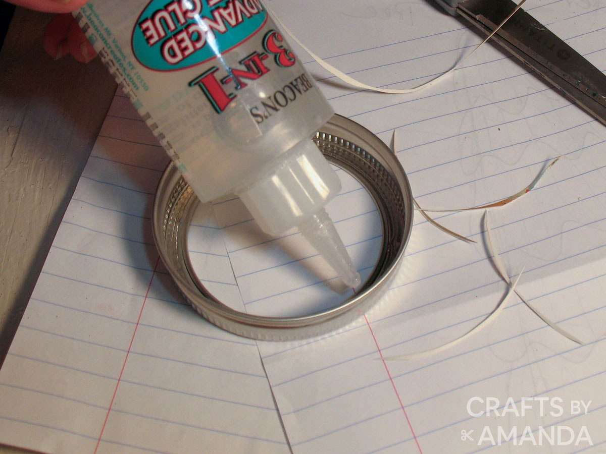 adding glue into canning band
