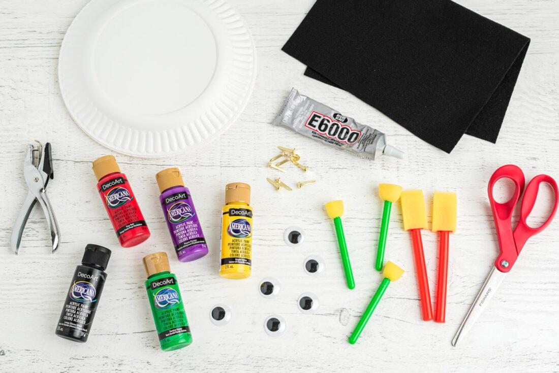 supplies for making paper plate ladybugs